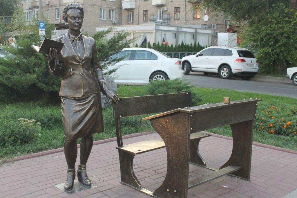 Нина Иванова биография личная