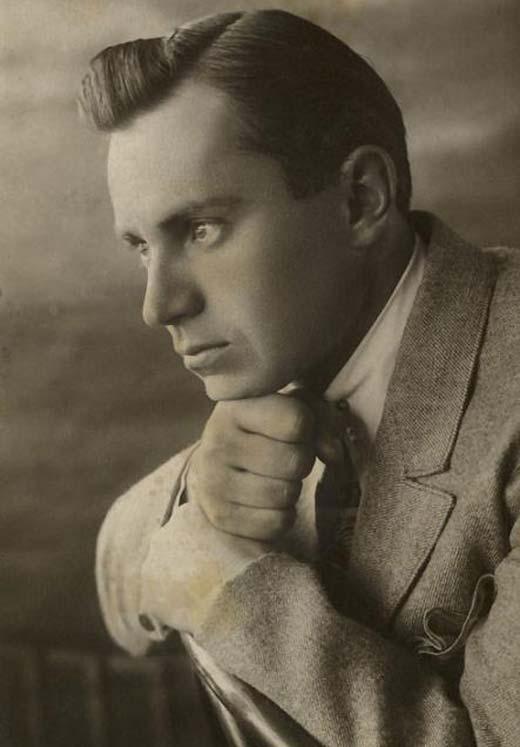 Виктор Чекмарев